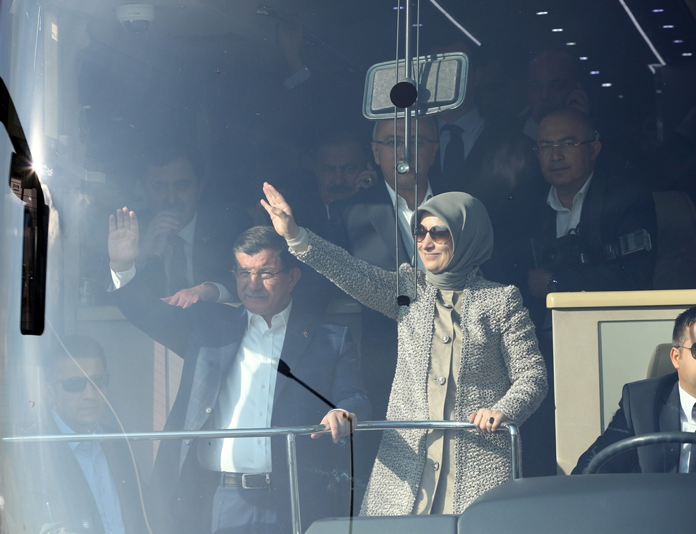 Başbakan Davutoğlu Konya'da halkı selamladı 8