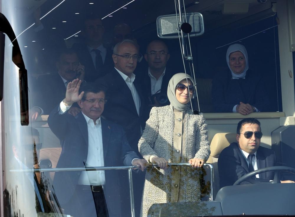 Başbakan Davutoğlu Konya'da halkı selamladı 9