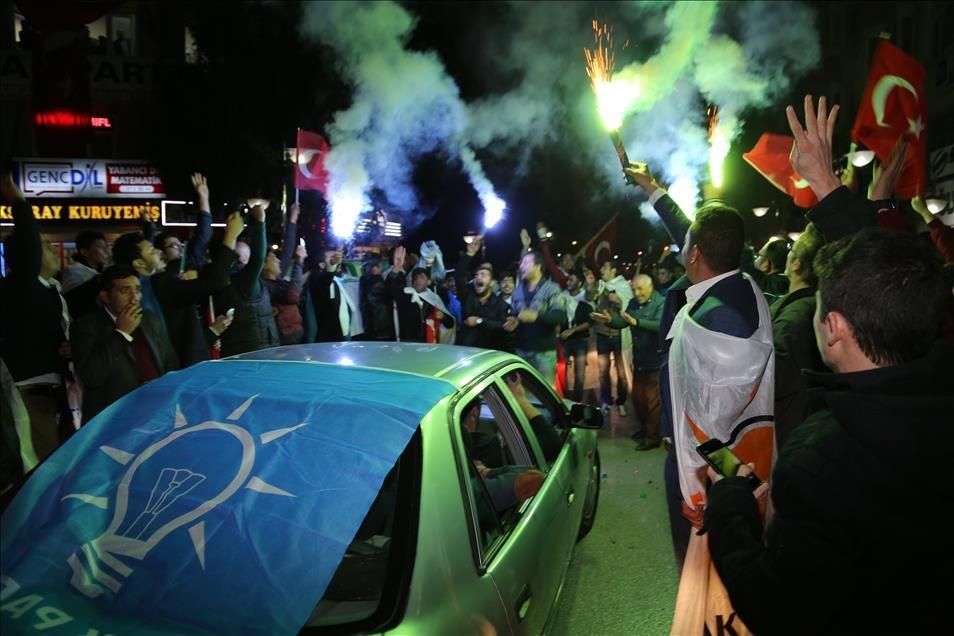 AK Parti'nin seçim zaferi kutlanıyor 5