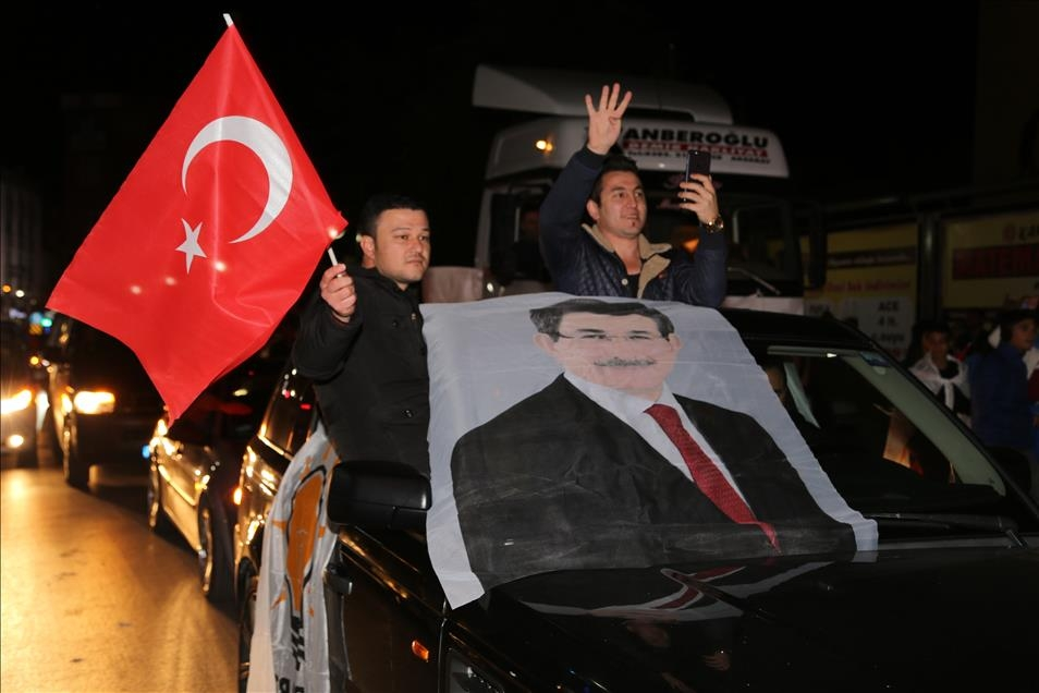 AK Parti'nin seçim zaferi kutlanıyor 6