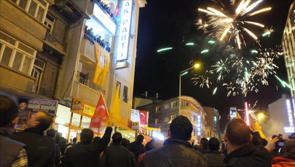 AK Parti'nin seçim zaferi kutlanıyor 9
