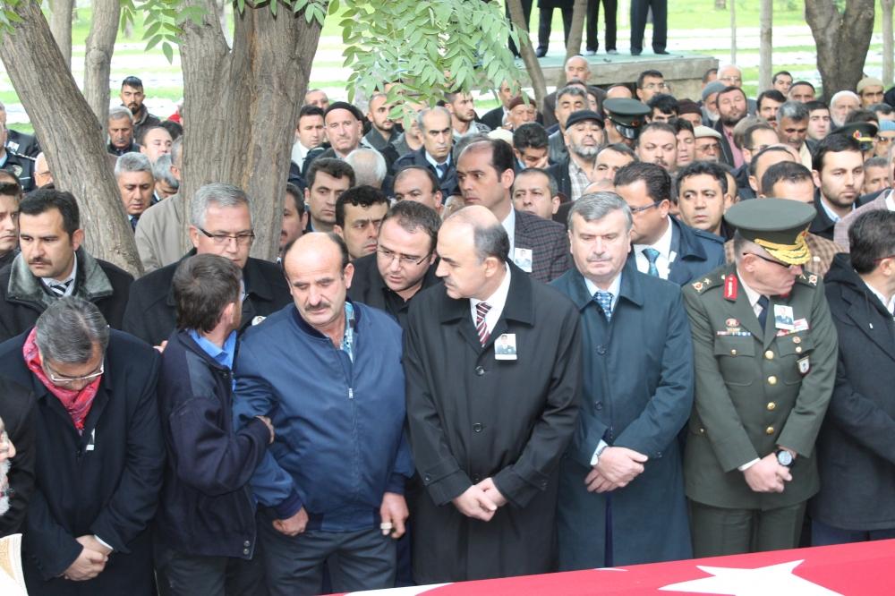 Şehit polis son yolculuğuna uğurlandı 16
