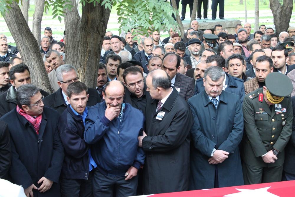 Şehit polis son yolculuğuna uğurlandı 17