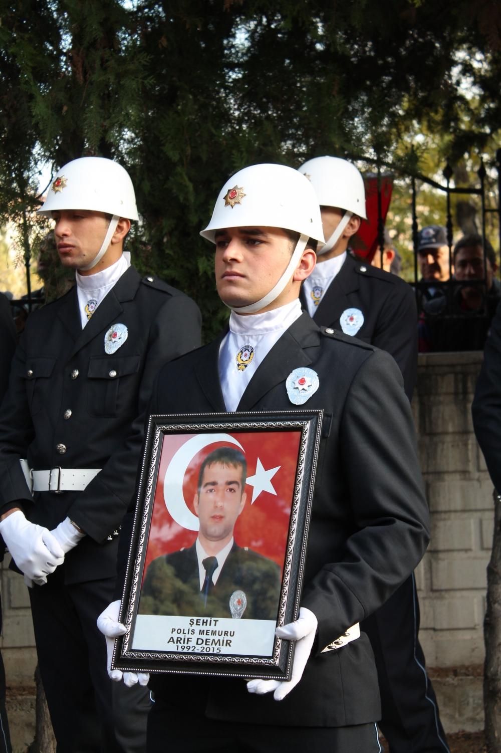 Şehit polis son yolculuğuna uğurlandı 28