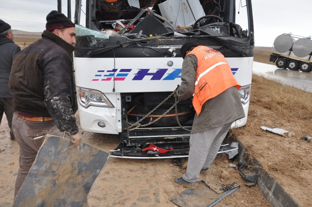 Konya'da trafik kazası: 6 ölü 12