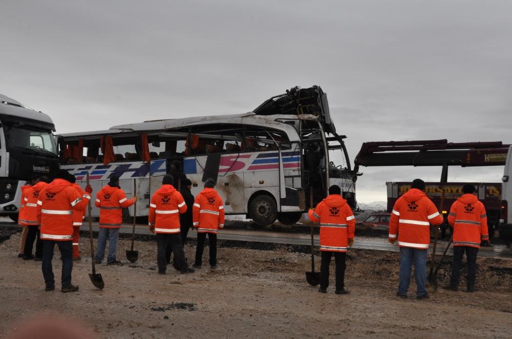 Konya'da trafik kazası: 6 ölü 14