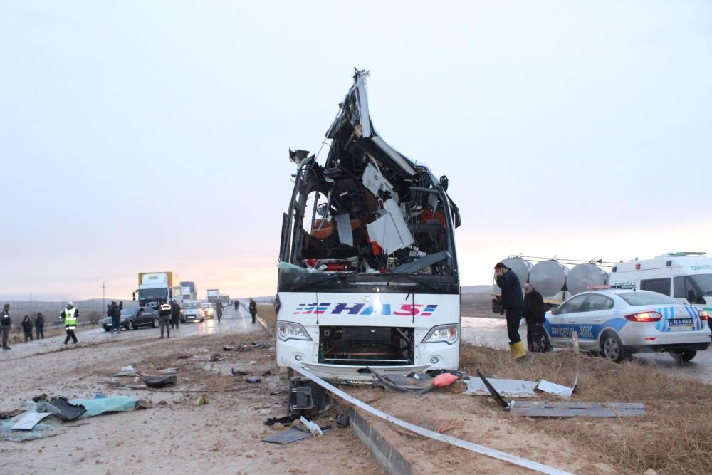 Konya'da trafik kazası: 6 ölü 8