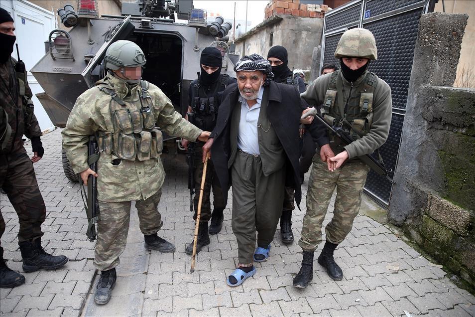 Terör engelinden Mehmetçik'e sığındılar 1