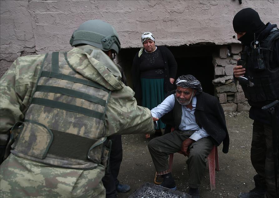 Terör engelinden Mehmetçik'e sığındılar 6
