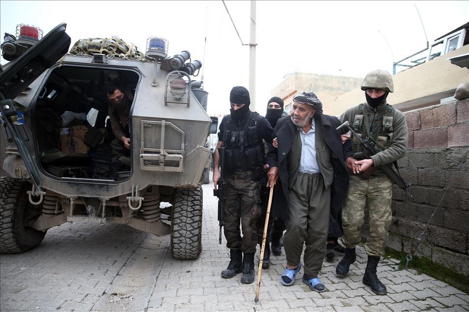 Terör engelinden Mehmetçik'e sığındılar 9