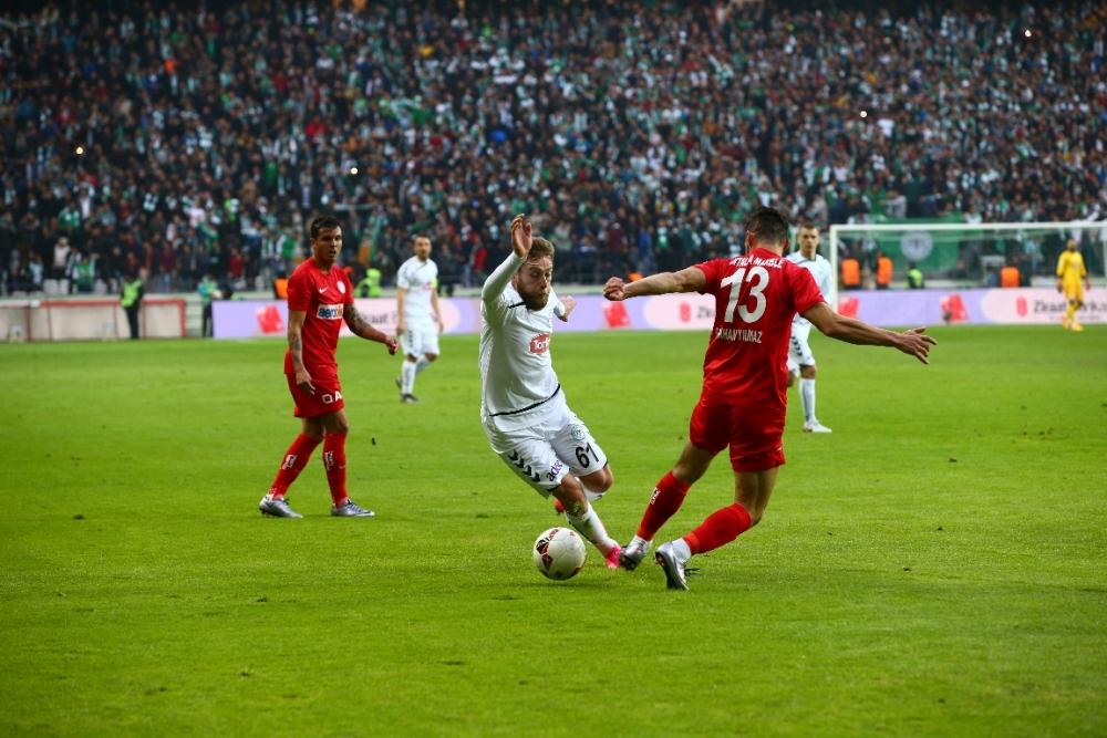 Torku Konyaspor çeyrek finalde 10