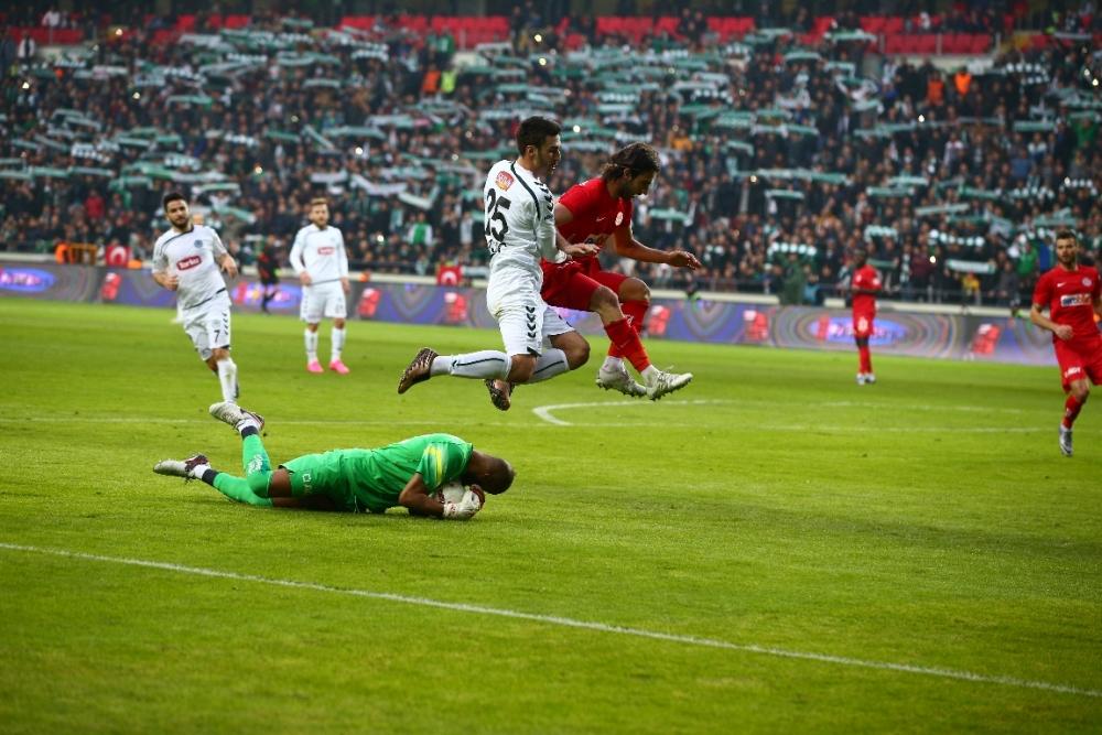 Torku Konyaspor çeyrek finalde 14