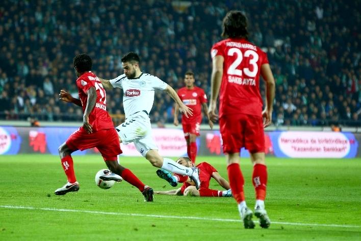 Torku Konyaspor çeyrek finalde 16