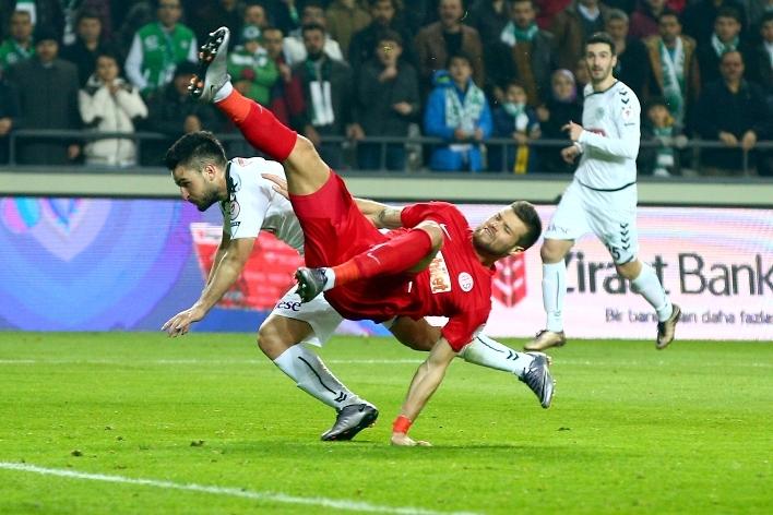 Torku Konyaspor çeyrek finalde 18