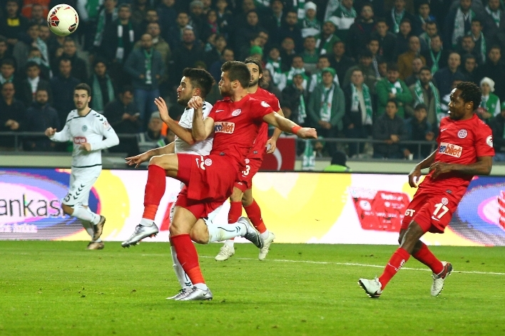 Torku Konyaspor çeyrek finalde 24