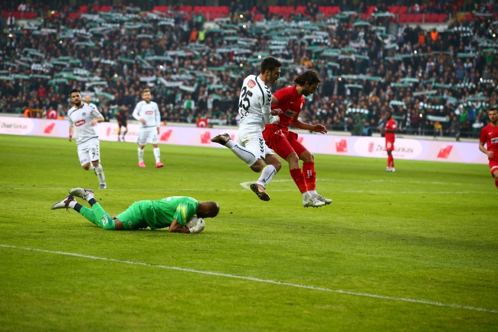 Torku Konyaspor çeyrek finalde 3