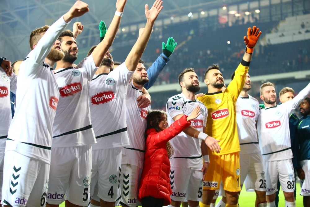 Torku Konyaspor çeyrek finalde 30