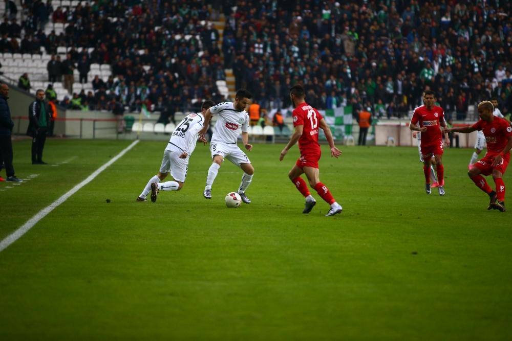 Torku Konyaspor çeyrek finalde 4