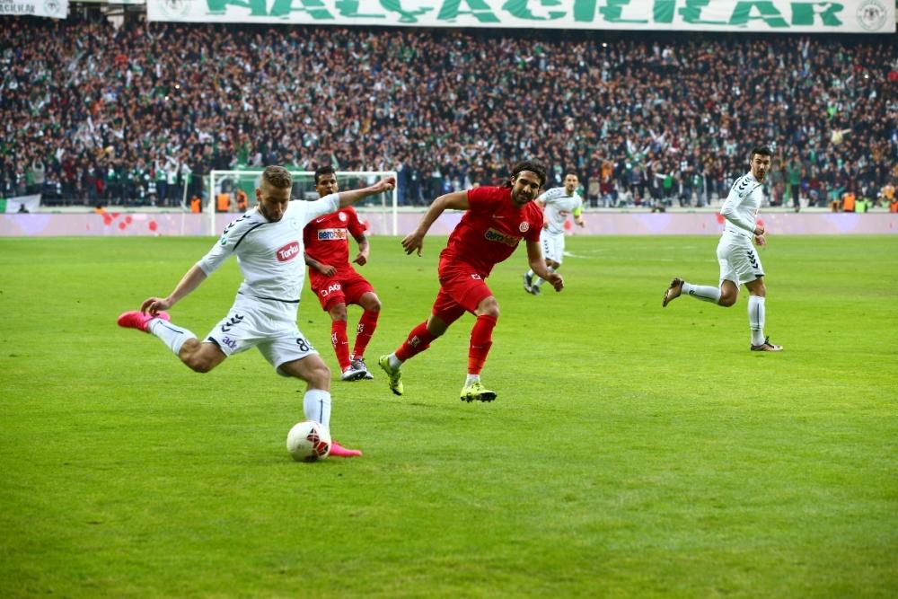 Torku Konyaspor çeyrek finalde 8