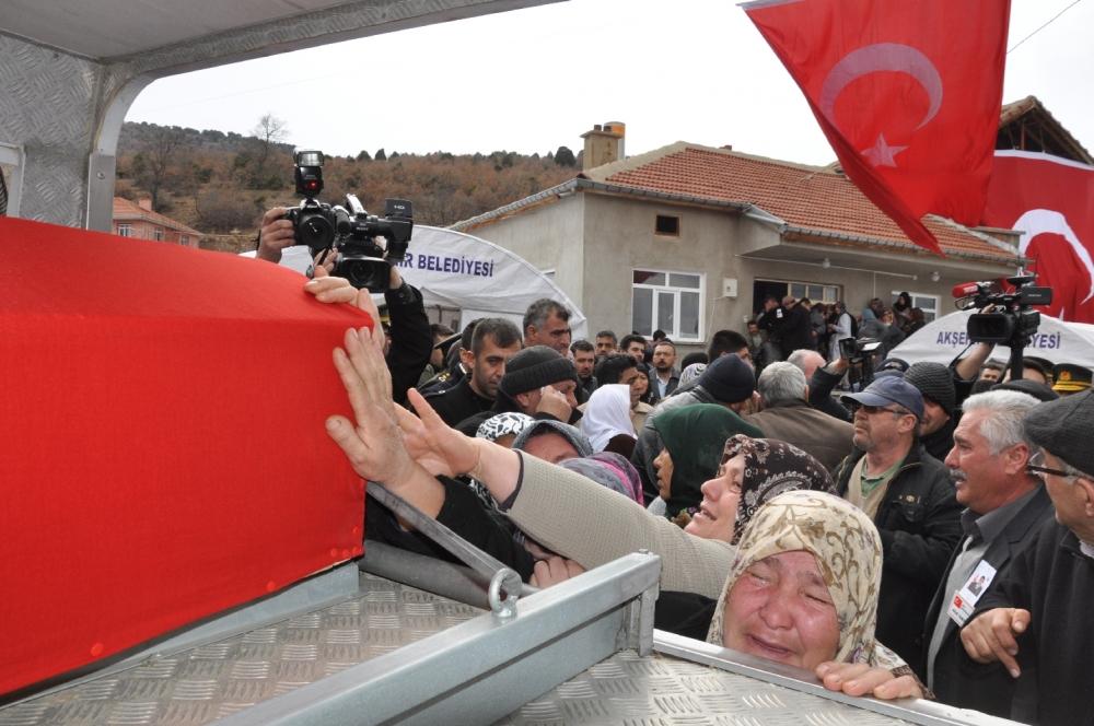 Konya, Sur şehidini son yolculuğuna uğurladı 3