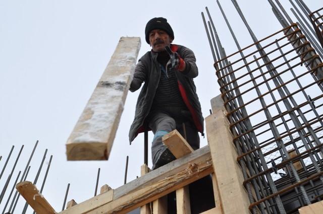 İnşaat işçilerinin soğuk çilesi 3