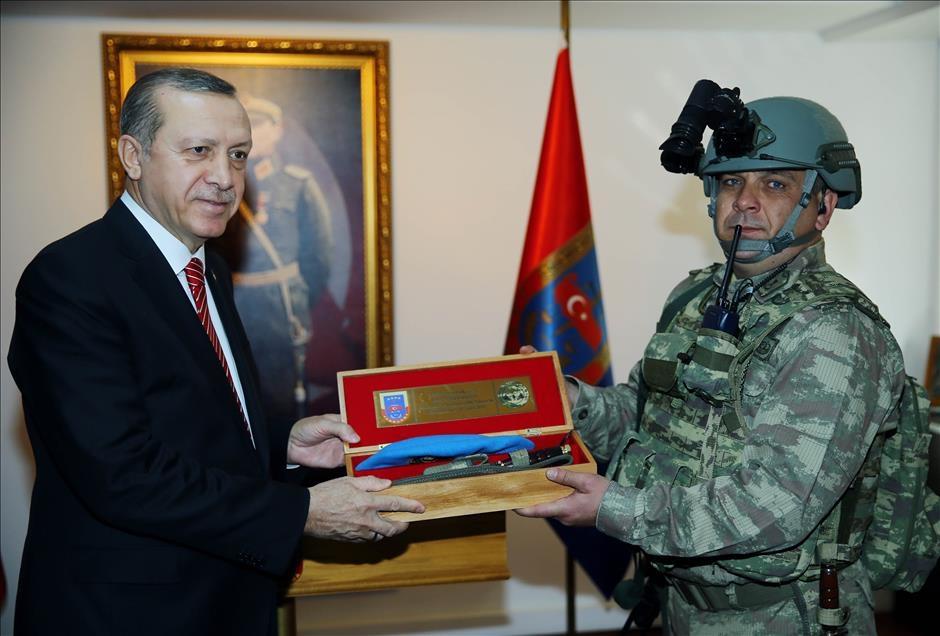 Cumhurbaşkanı Erdoğan'dan güvenlik güçlerine ziyaret 3