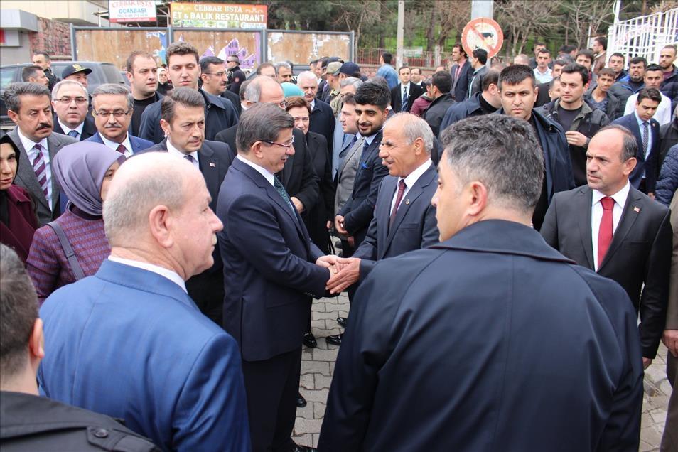 Başbakan Davutoğlu Silopi'de cuma namazı kıldı 6