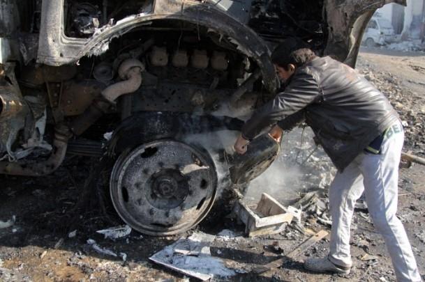 Halep'te varil bombalı saldırı 14