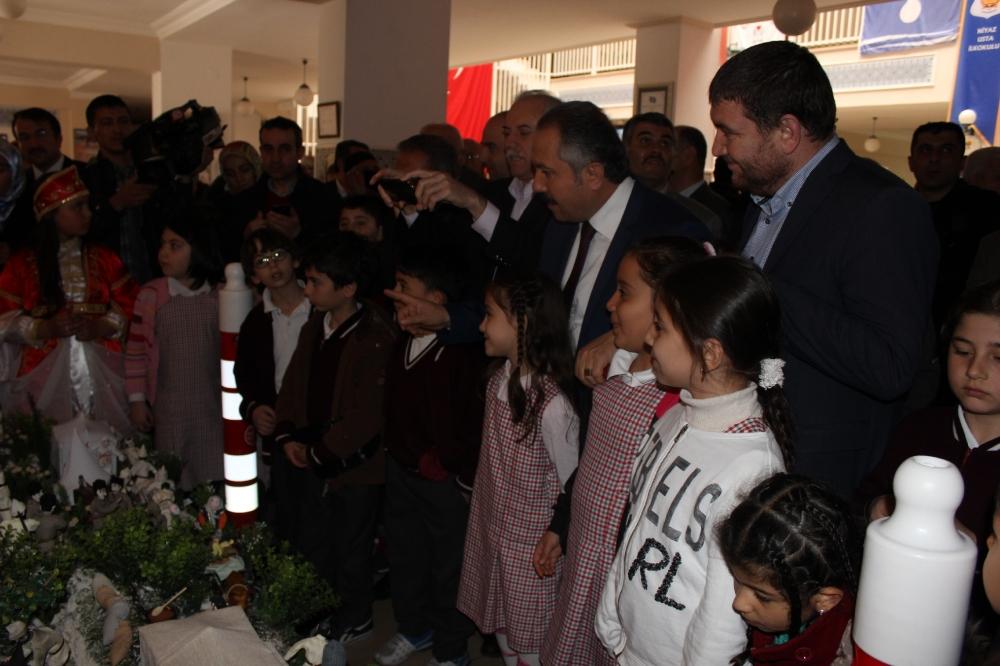 Niyaz Usta öğrencilerine interaktif Çanakkale sunumu 27