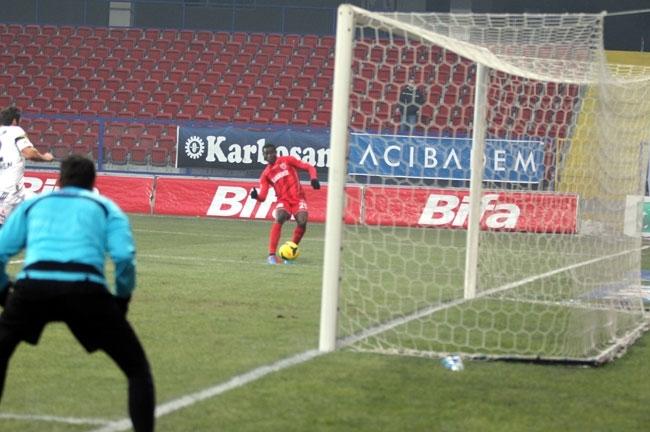 Karabükspor 2- Fenerbahçe 1 9