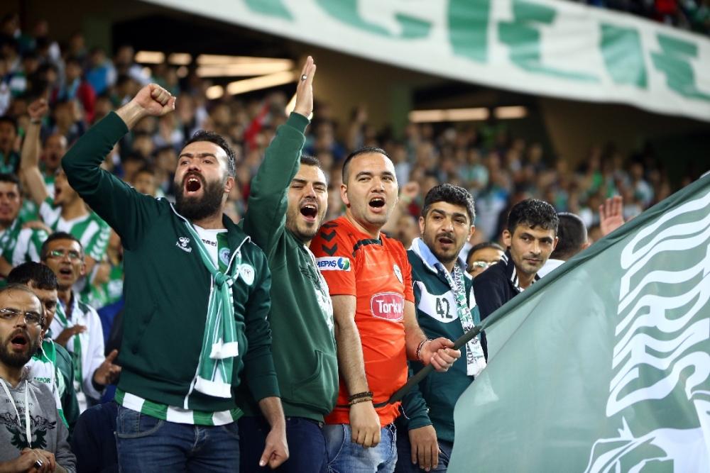 T. Konyaspor'un Fener alayı: 2-1 10