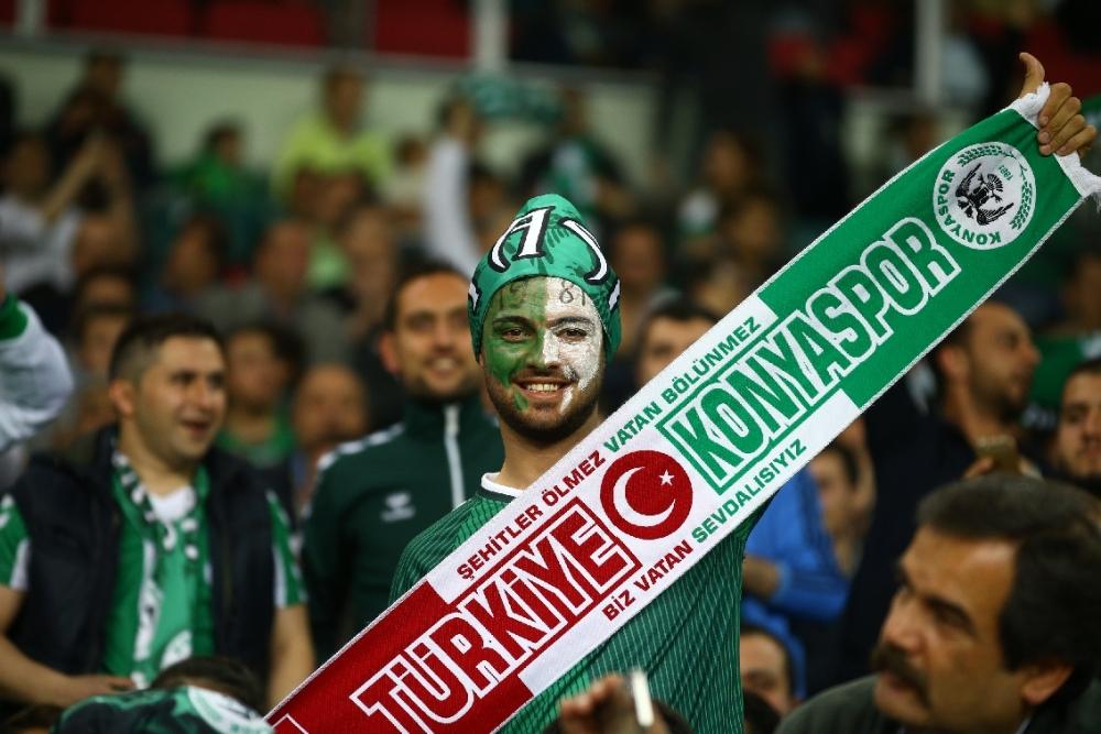 T. Konyaspor'un Fener alayı: 2-1 13