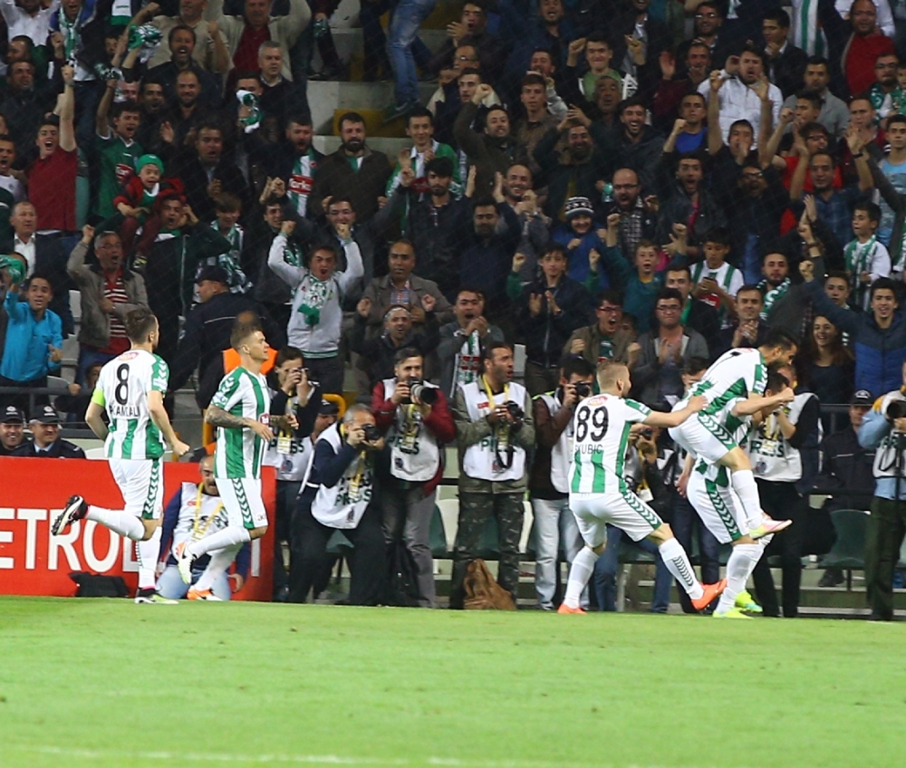 T. Konyaspor'un Fener alayı: 2-1 16