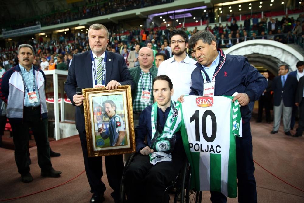 T. Konyaspor'un Fener alayı: 2-1 2