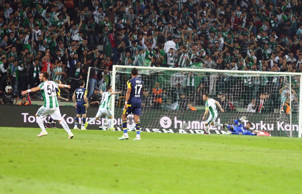 T. Konyaspor'un Fener alayı: 2-1 27