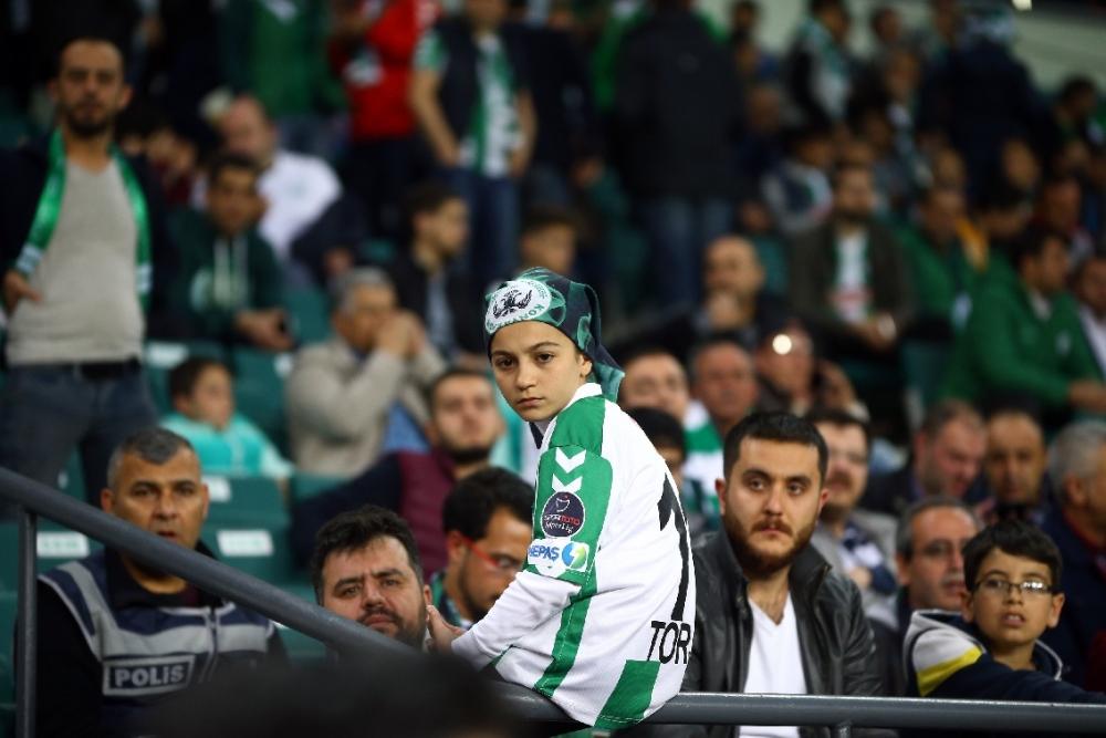 T. Konyaspor'un Fener alayı: 2-1 7