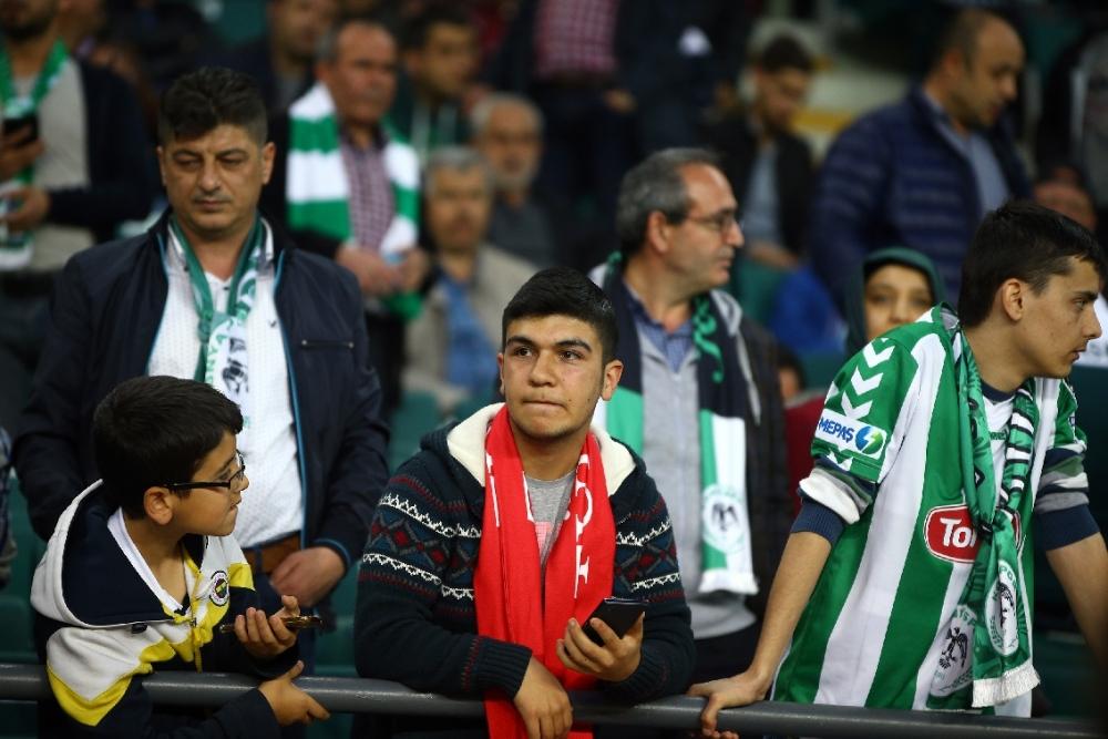 T. Konyaspor'un Fener alayı: 2-1 8