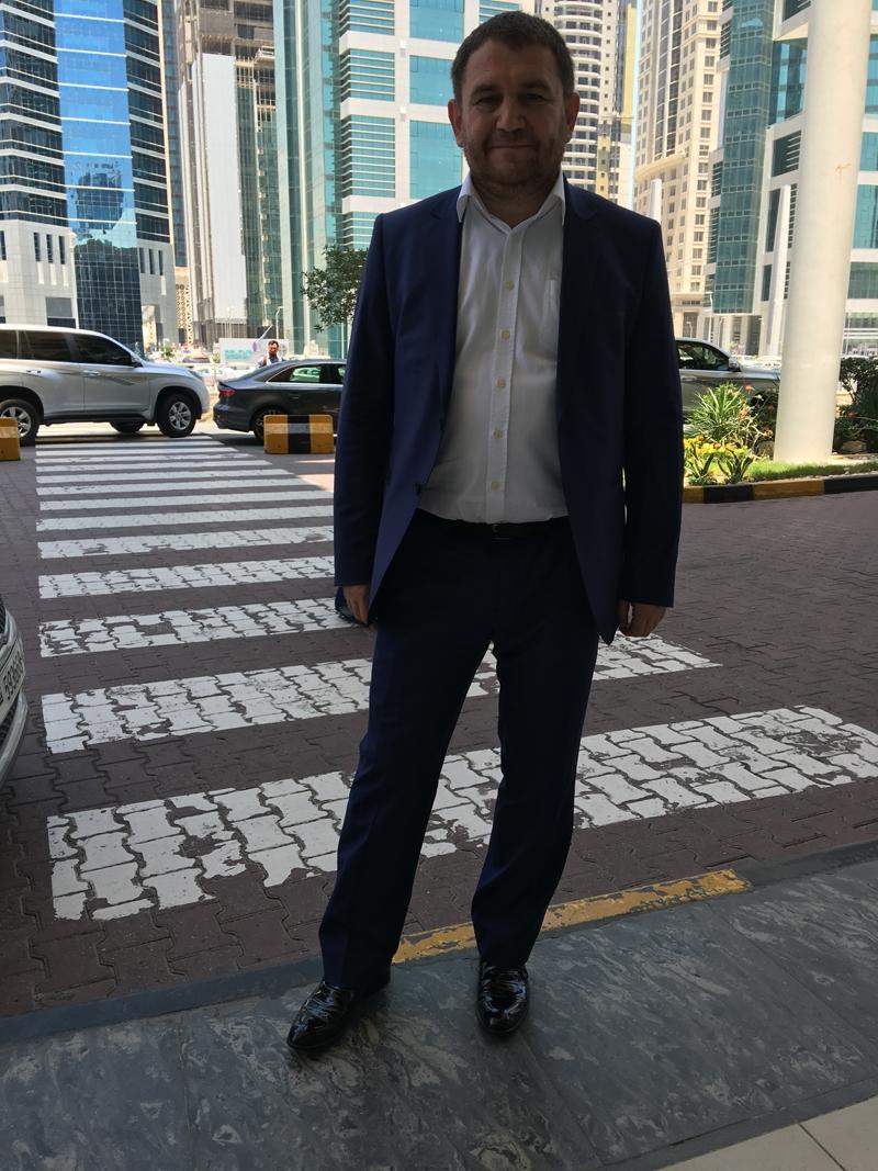 Ahmet Davutoğlu gazetecilerle birlikte Katar'a gitti 10