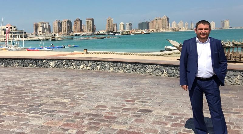 Ahmet Davutoğlu gazetecilerle birlikte Katar'a gitti 16