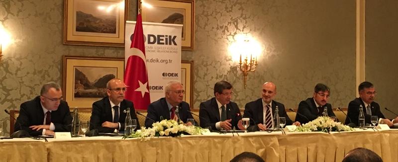 Ahmet Davutoğlu gazetecilerle birlikte Katar'a gitti 20