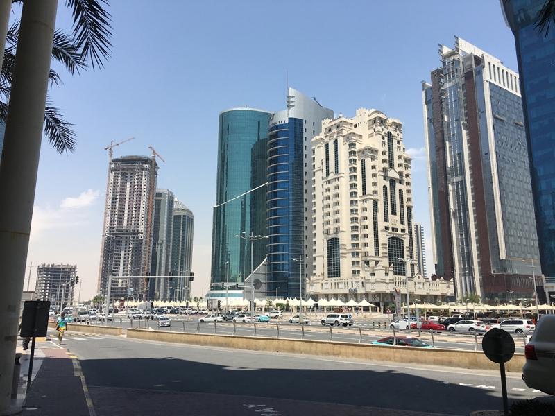 Ahmet Davutoğlu gazetecilerle birlikte Katar'a gitti 7