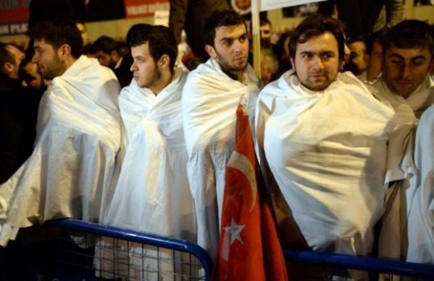 Başbakan Erdoğan'a Trabzon'da kefenli karşılama 13