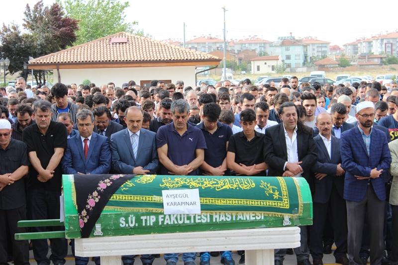 Ayşegül Karapınar defnedildi 21