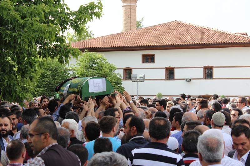 Ayşegül Karapınar defnedildi 29
