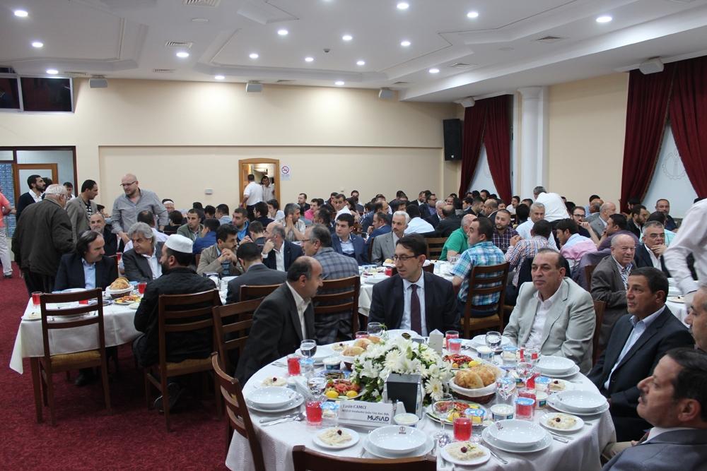 MÜSİAD'ın geleneksel iftarı yoğun katılımla gerçekleşti 1