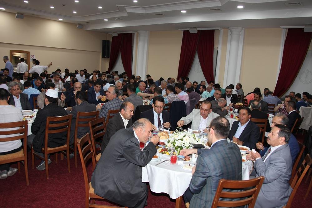 MÜSİAD'ın geleneksel iftarı yoğun katılımla gerçekleşti 12