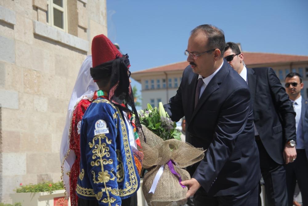 Konya'nın yeni valisi Canbolat göreve başladı 1