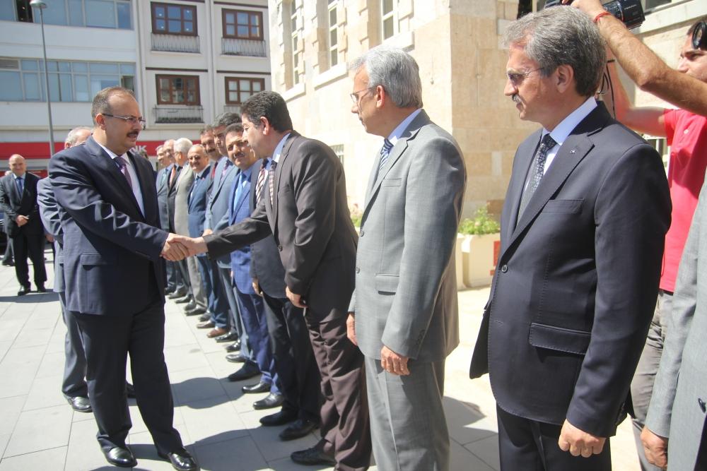 Konya'nın yeni valisi Canbolat göreve başladı 2