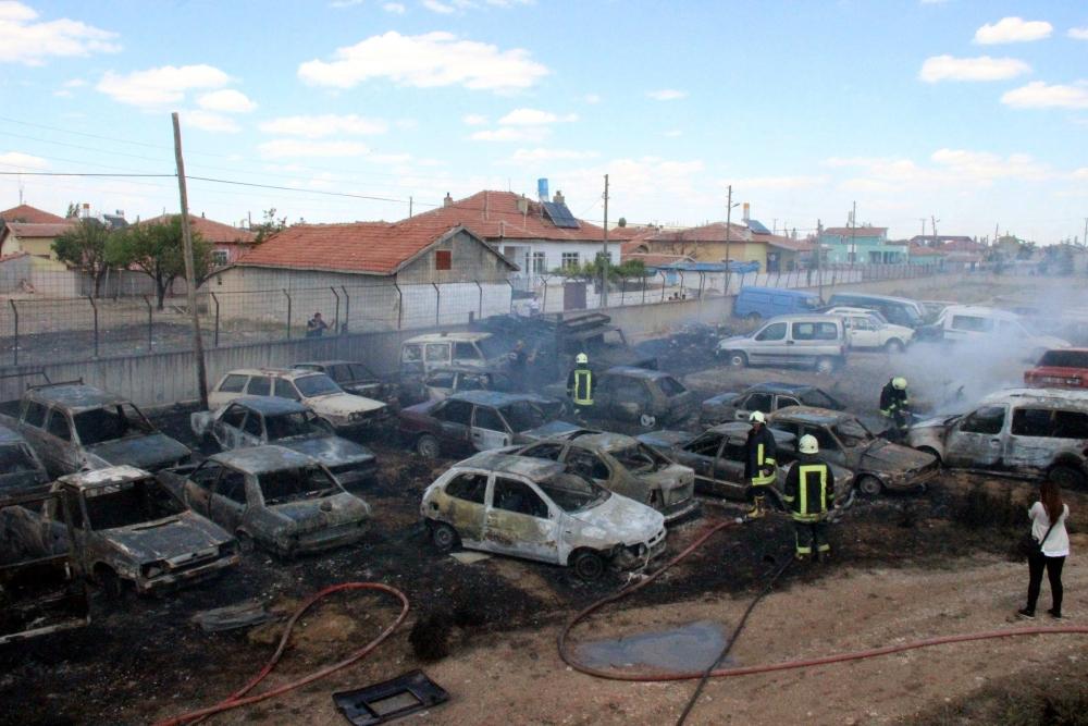 Konya'da 70 araç kül oldu 1