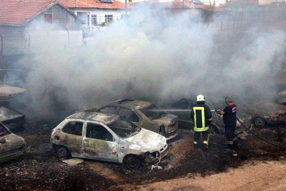 Konya'da 70 araç kül oldu 4
